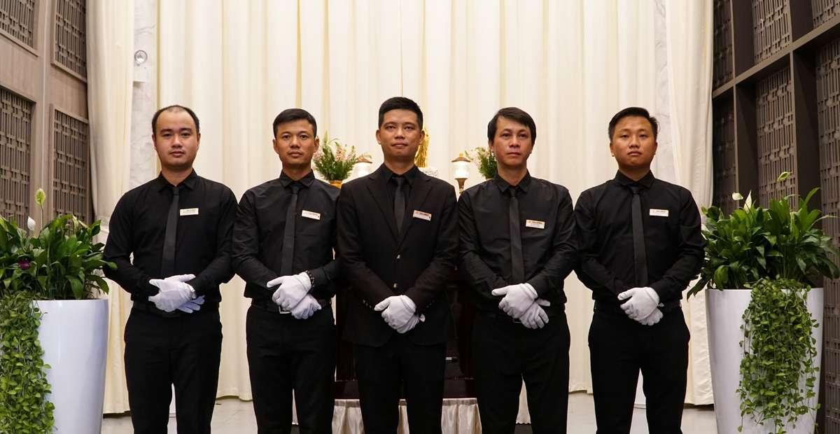 nhân viên tổ chức tang lễ